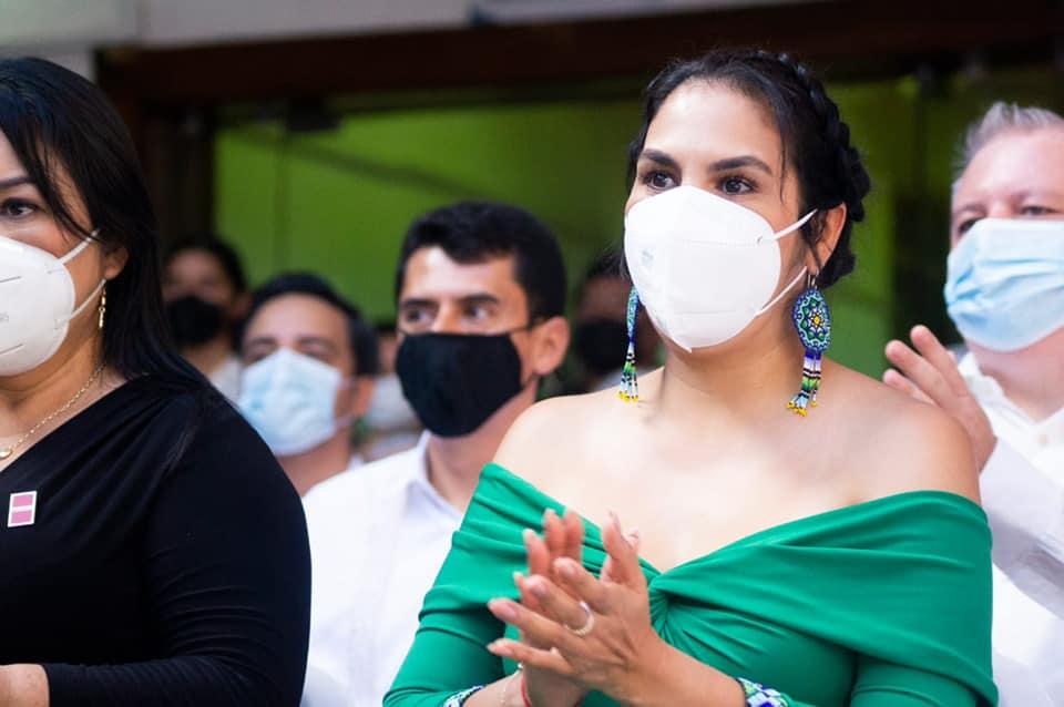 Asiste la alcaldesa Mirtha Villalvazo a la toma de protesta del Prof. Luis Michel en Puerto Vallarta